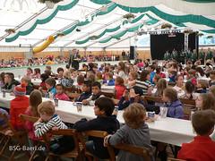 Besuch der Schul- und Kindergartenkinder auf dem Festzelt am 1. Juni 2015