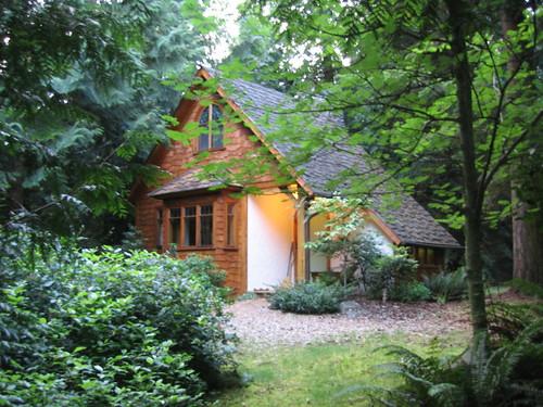 Oak Cottage at dusk