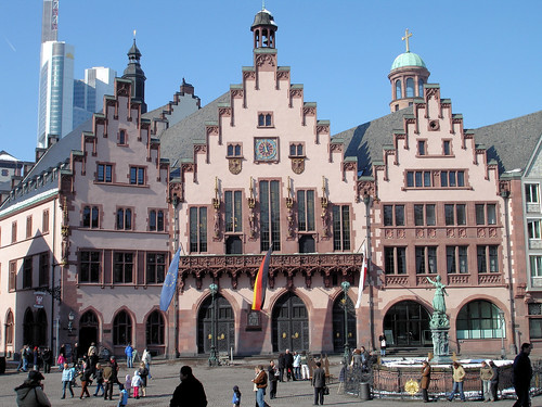 Town Hall Square, Frankfurt (by Gertrude K on flickr)