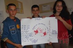 Kids Presenting Peace Plakat