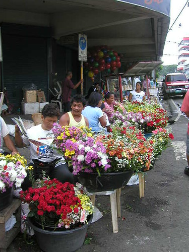 Pinoy Filipino Pilipino Buhay  people pictures photos life Philippinen  菲律宾  菲律賓  필리핀(공화�)  philippines Flowers street vendors, sidewalk cebu