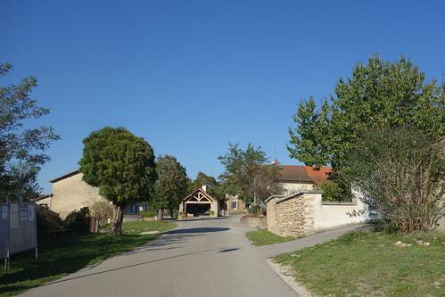 Un four à pain trône dans le village