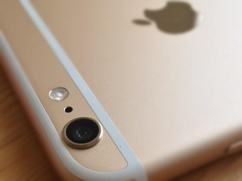 iPhone 6 Plus iSight カメラ