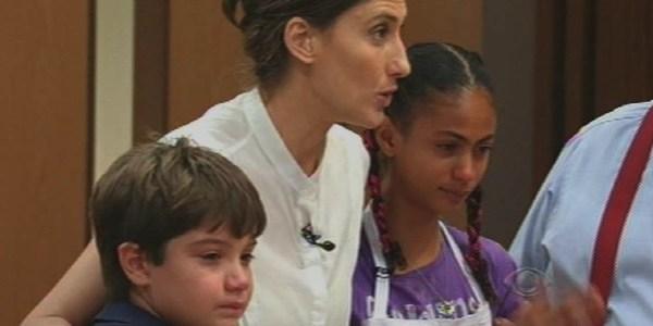 """Menos fofos, chefs criticam e Matheus e Daphne saem do """"MasterChef Junior"""""""
