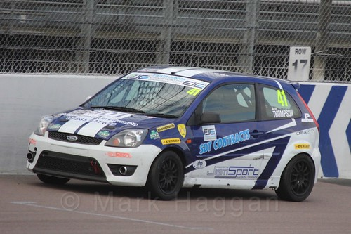 Aaron Thompson in Race 2 at the BRSCC Fiesta Junior Championship, Rockingham, Sept 2015