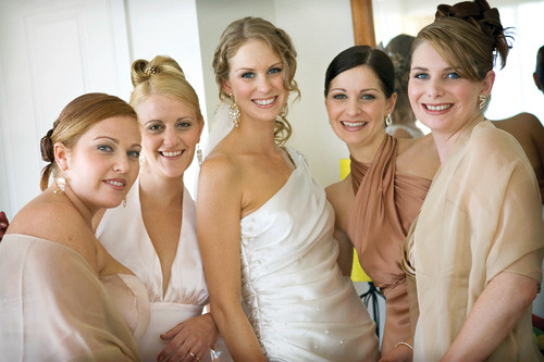 5 great ideas for wedding hair for you and your bridesmaids