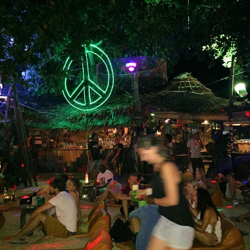#Peace  @ #StonesBar #KoPhiPhi #Thailand #thailoup #traveloup