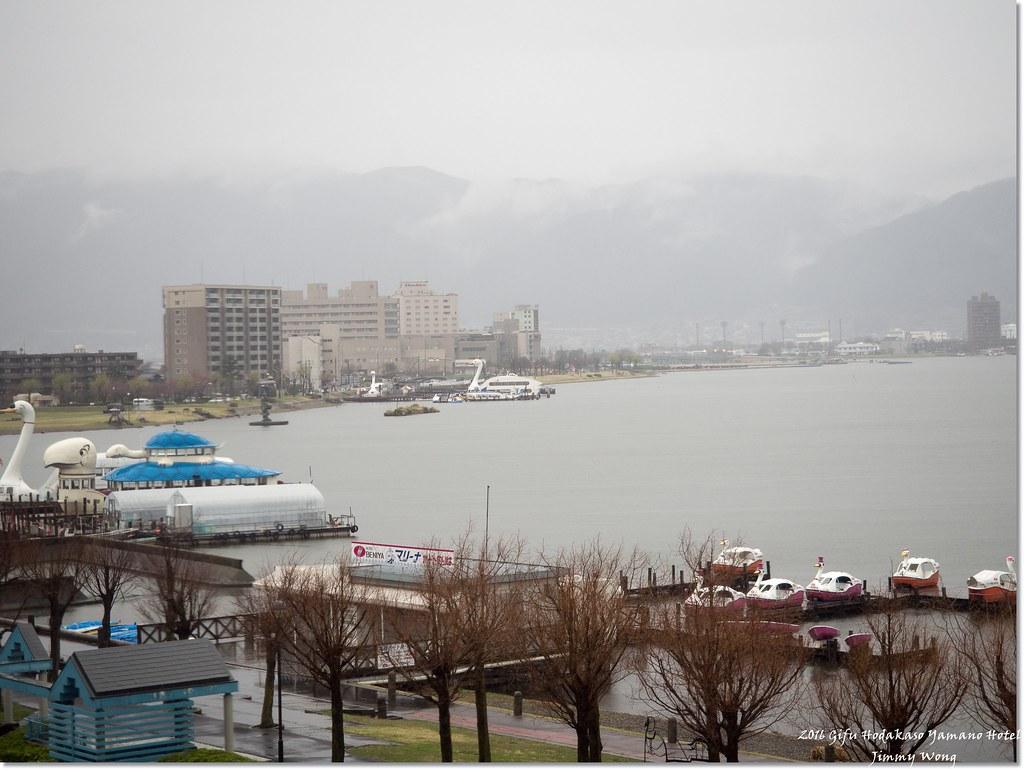 【日本富士山環山之旅】-延伸長野-訪日本國寶松本城(巧遇城中櫻花滿開)