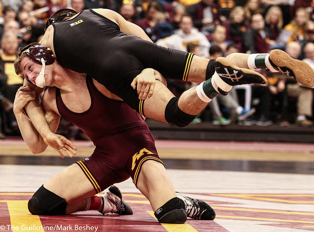 141: No. 13 Tommy Thorn (Minn) dec Topher Carton (Iowa), 3-2 | Minn 11 – Iowa 27
