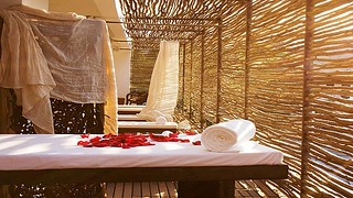 1267152453spa-natura-relaxing-chairs_1