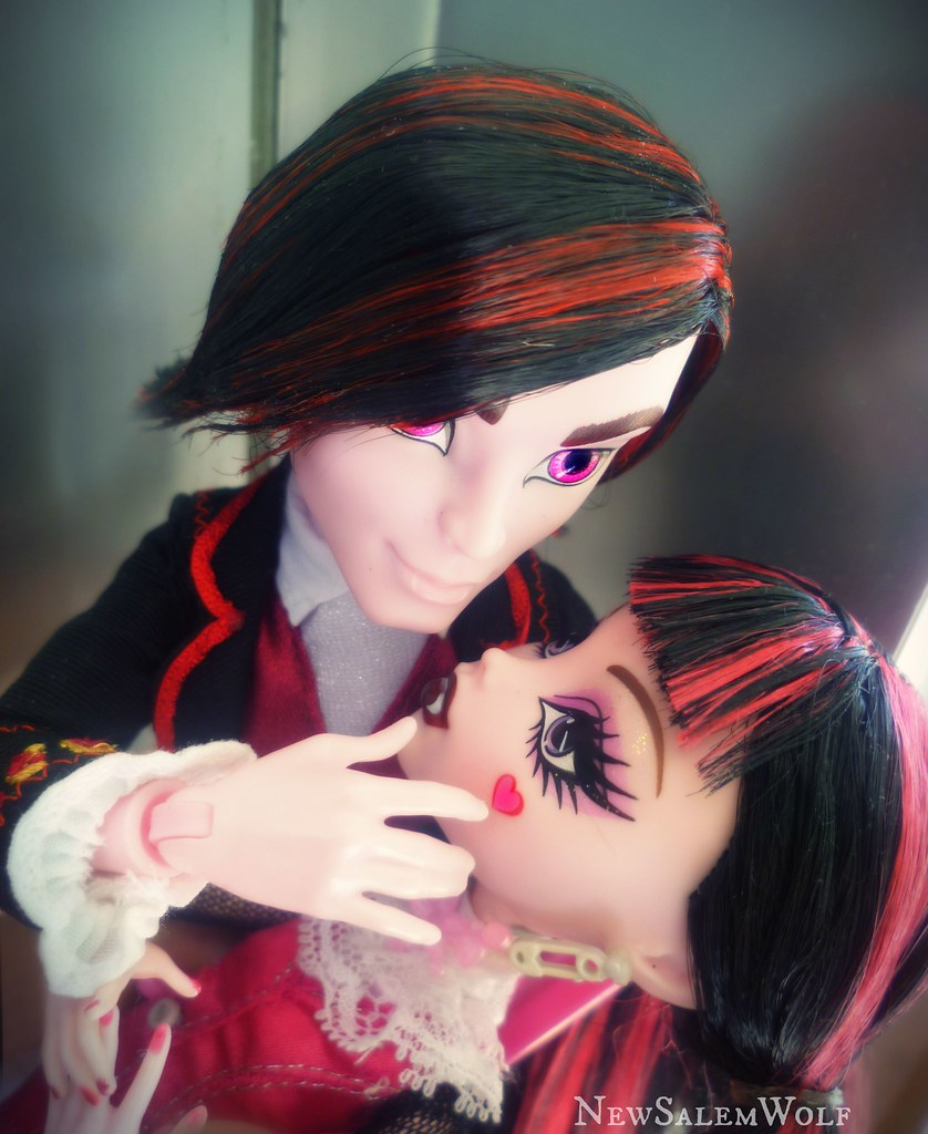 The Worlds Best Photos Of Draculaura And Valentine