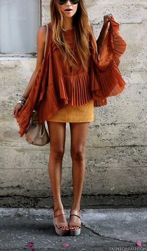 Blusa ombro de fora + cor trend