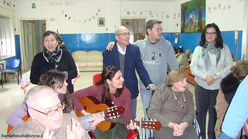 canti-alla-casa-di-riposo-2014-13