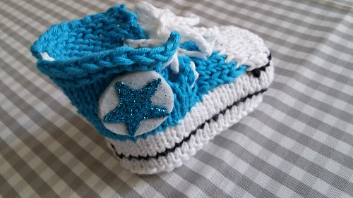"""Baby Chucks Strickanleitung • <a style=""""font-size:0.8em;"""" href=""""http://www.flickr.com/photos/92578240@N08/22670785052/"""" target=""""_blank"""">View on Flickr</a>"""