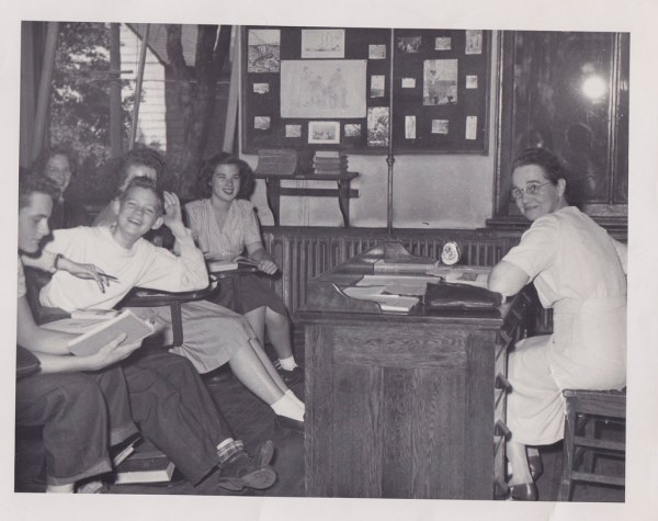 1950s High School Classroom