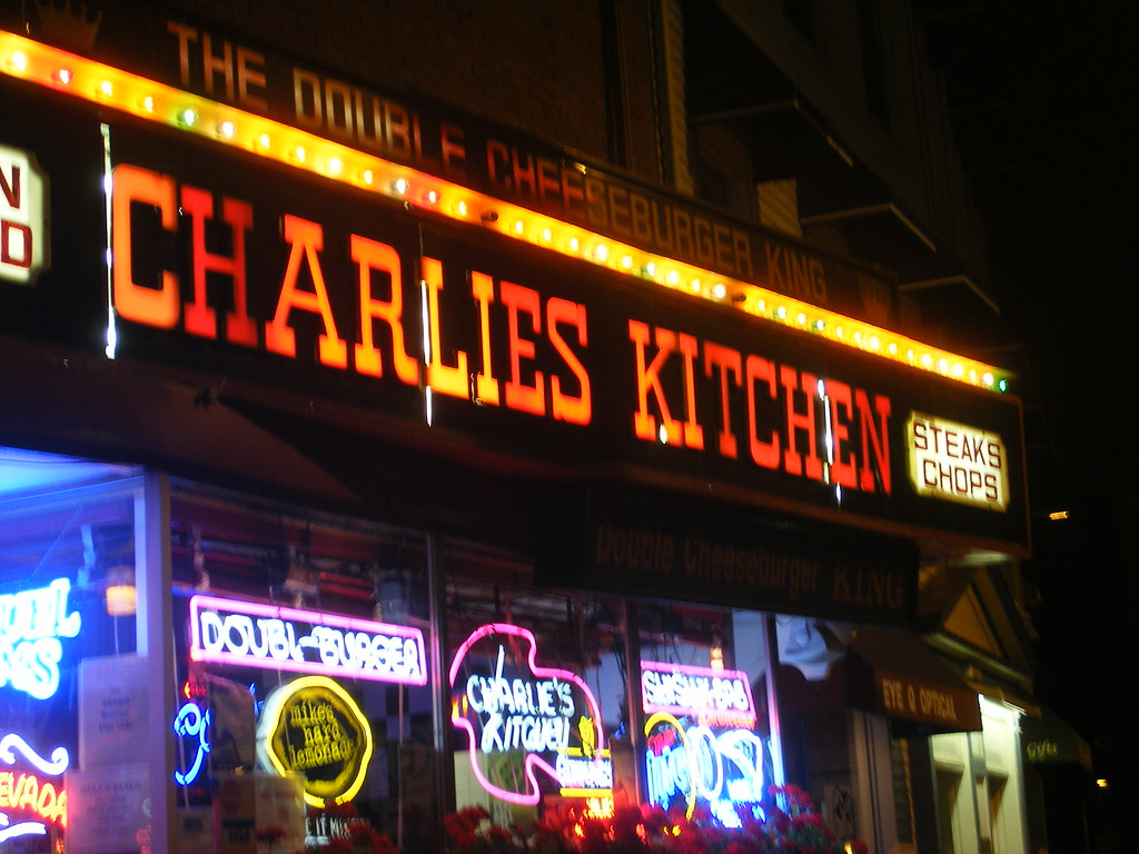 Charlie's Kitchen, Harvard Square