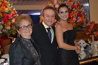 Dona Eli Miranda, o filho Jéferson Miranda e a nora, Janini