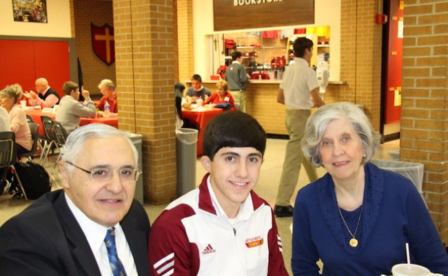 10th Grade Crusaders Welcome Grandparents For Lunch
