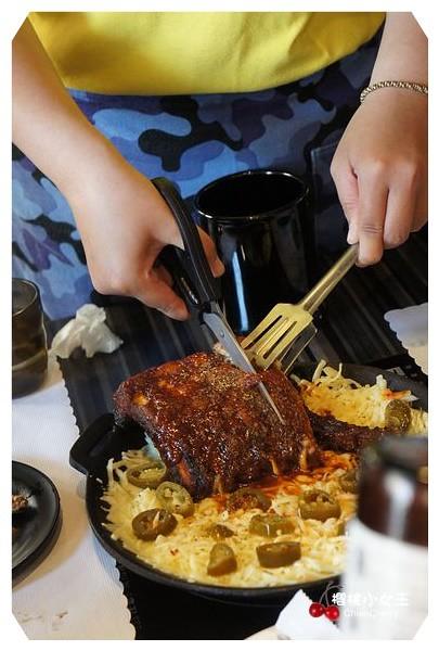 KBOOM-K棒韓式料理。 秋冬料理新上市起司,炸雞,豬肋排,8潮海鮮鍋溫暖你的胃和心! @ *.:。 *゚'櫻桃小女王 ...