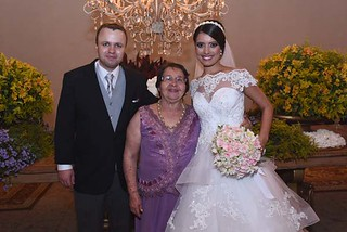 Os noivos com a avó dela