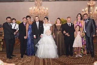Ronaldo e o filho Guilherme, Reginaldo e esposa Paula, os noivos, Raimundo e Maria Aaprecida, Ricardo, a esposa, Catarina, e a filha Manuela