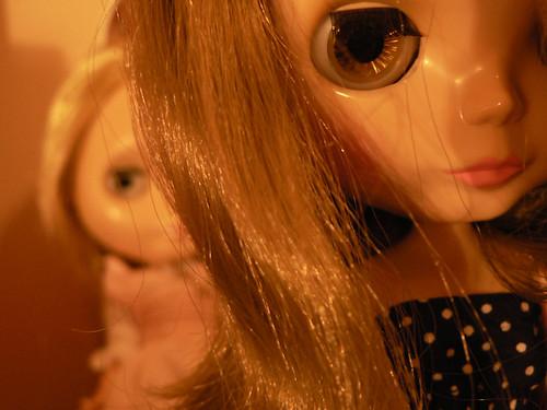 Behind her shoulder by elysiarenee