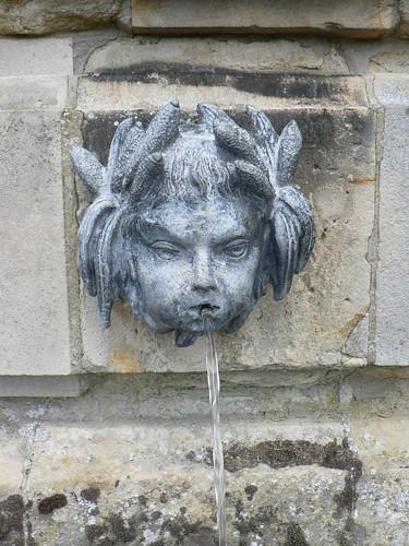 Castle Howard fountain (by Claudecf)