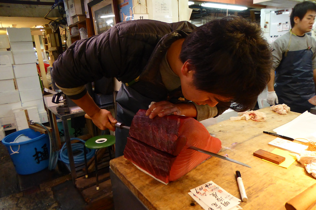 Slicing the tuna