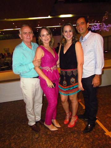 As queridas da Premier, Eliane, com José Geraldo Mercante, e Maíra, com Marcus Rocha