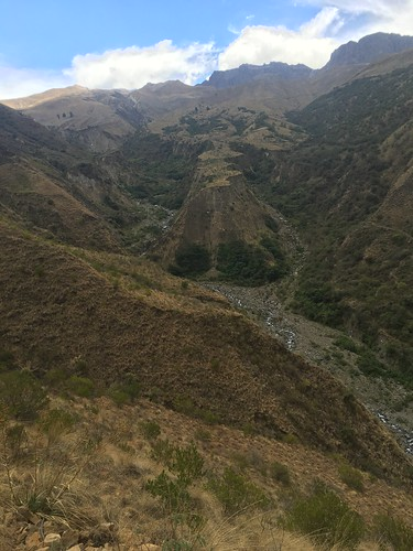 La montagne est creusée par deux ruisseaux