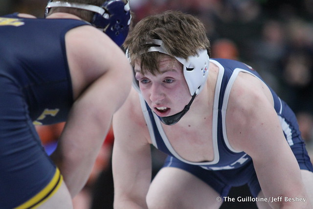 160AAA - Semifinal - Kenny O'Neil (Prior Lake) 41-2 won by decision over Tony Struntz (St Francis) 33-6 (Dec 3-2)