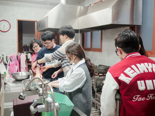 Mission Work using Stir-fried Rice Cake_MDY_180311_37