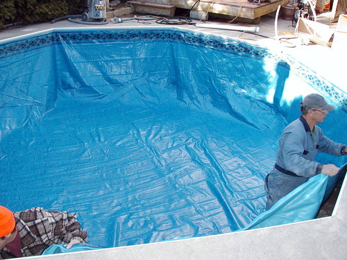 installing new pool liner