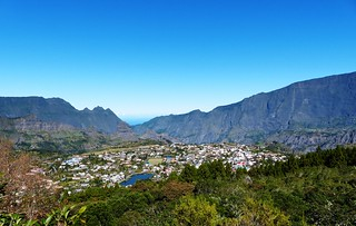 view down to Cilaos