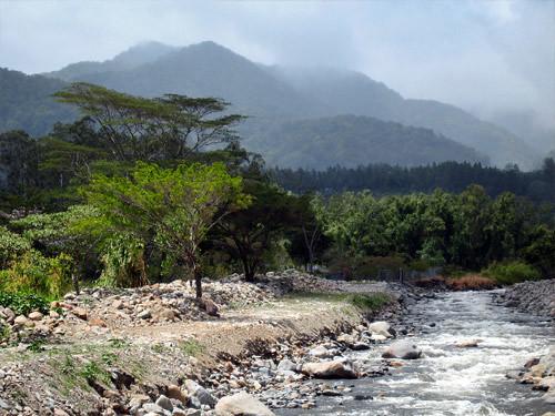 Boquete, al fondo el Volcán Barú