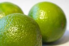 Lime caipirinha