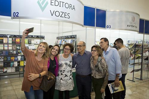 Uma selfie descontraída, com Penélope Portugal, Cibele Teixeira, Roberto Maia, Elvira Nascimento e Mário Carvalho Neto