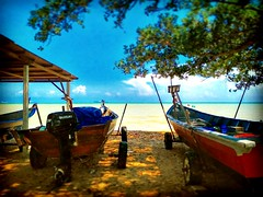Straits of Malacca https://goo.gl/maps/6YWfgduXQCL2  #travel #holiday #Asian #Malaysia #Malacca #travelMalaysia #holidayMalaysia #旅行 #度假 #亚洲 #马来西亚 #马六甲 #melaka #trip #traveling #beach #海滩 #pantai #bluesky #outdoor #kampung #马来西亚旅行 #蓝天 #乡村 #countryside #船
