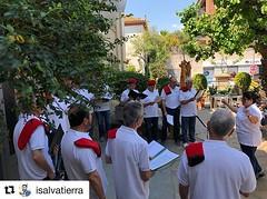 El coro de #Tiana recupera les caramelles com a símbol de cultura tradicional. 👏👏 #cultura #Caramelles