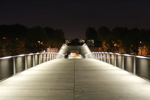 passerelle Simone de Beauvoir, a Paris
