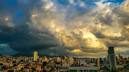 sunset evening entardecer pôrdesol paisagem urbana... (Photo: carlos.ufmg on Flickr)