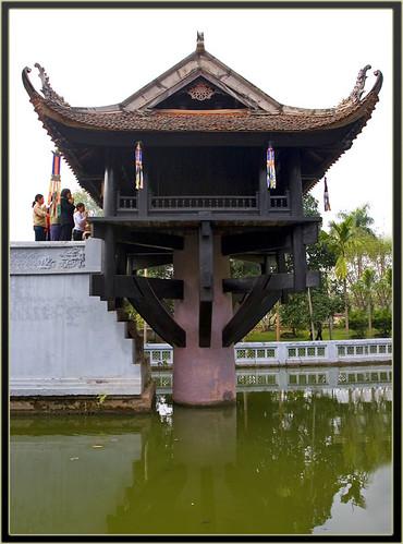 Chua Mot Cot by ~Thái~.