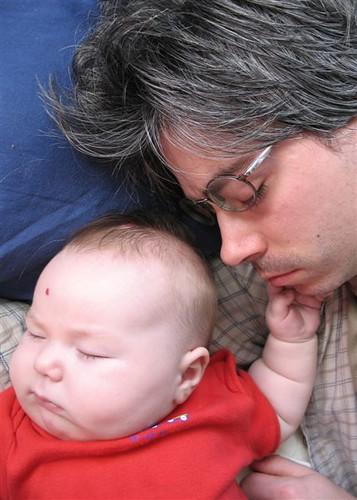Khéna and daddy sleeping