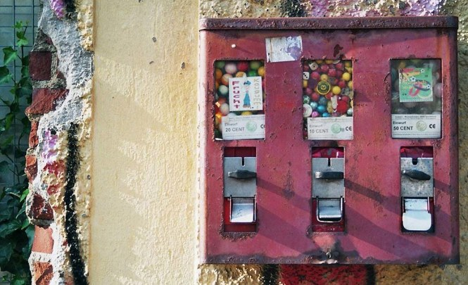 Old Chewing Gum Machine