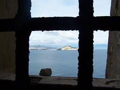 ex-Carcere di Procida ... in lontananza Capo Miseno e i Campi Flegrei - Porfirio in licenza CC