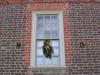 Window decorations at Colonial Williamsburg, VA, Christmas ...