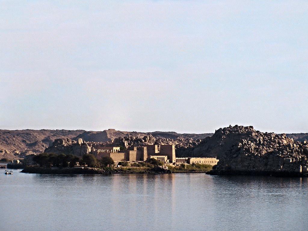 Templos de File de Asuan Aswan desde el Nilo Egipto