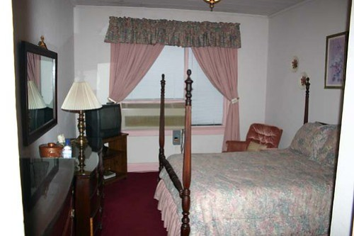 Hotel Talisi - this is the room we had on 1st stay Tallassee, AL