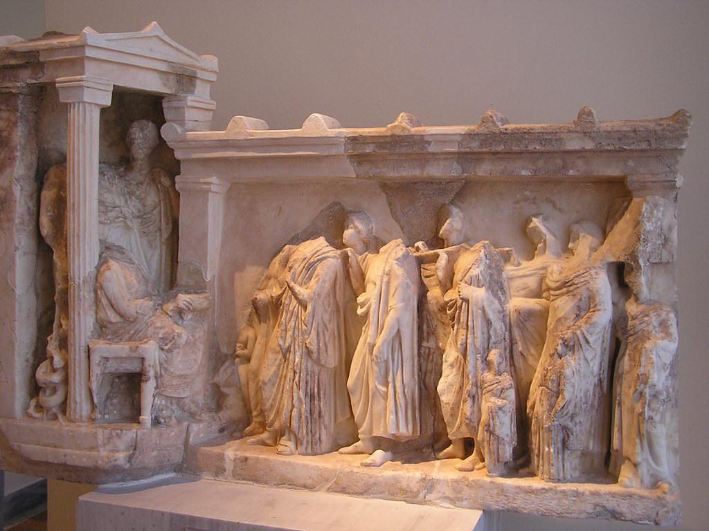 Relieve votivo griego clásico estela funeraria Museo Arqueologico Nacional de Atenas Grecia 064