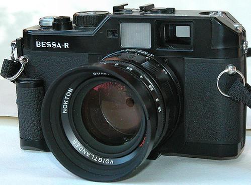 CV Bessa R Nokton 50mm f1.5 lens by gnawledge wurker